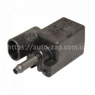 Клапан продувки адсорбера 1.5 ВАЗ-2112