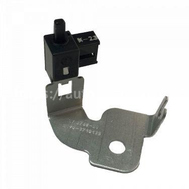 Выключатель контрольной лампы ручного тормоза ВАЗ-2190 Лада Гранта в сборе с кронштейном АВАР